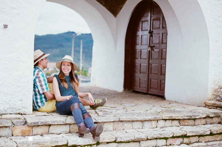 FOTOGRAFO DE BODAS Y PREBODAS EN BOGOTA FILM WEDDING PHOTOGRAPHER-7